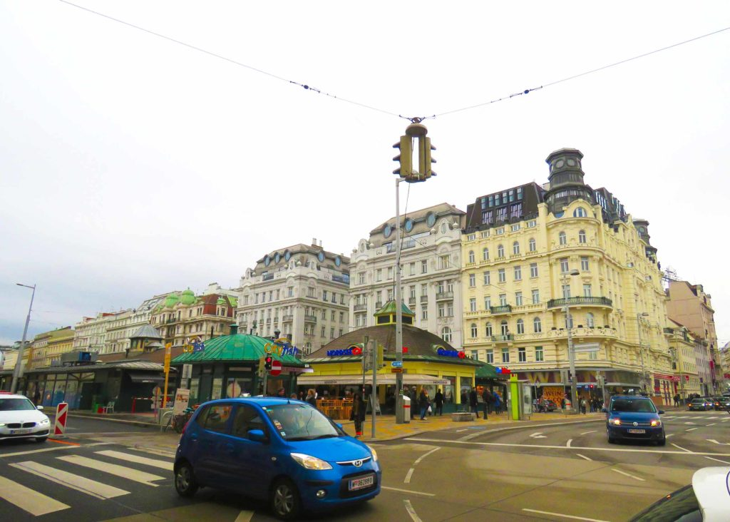 Mercados pelo mundo: Naschmarkt em Viena