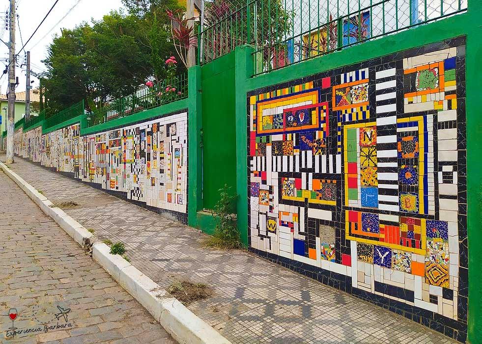 Mural de mosaicos Escola Estadual Dr. Genésio Cândido Pereira - São Bento do Sapucaí